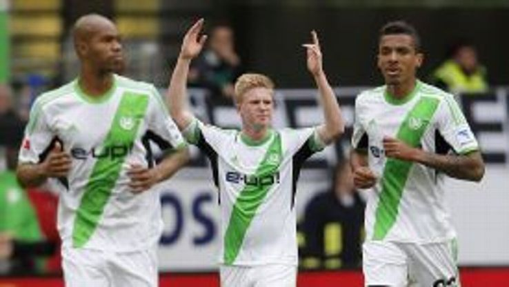 Kevin De Bruyne celebrates his goal in the victory over Bayer Leverkusen.