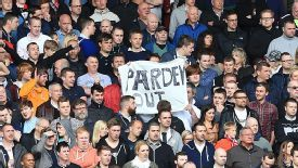 A section of Newcastle supporters are fed up with Alan Pardew and want him sacked.