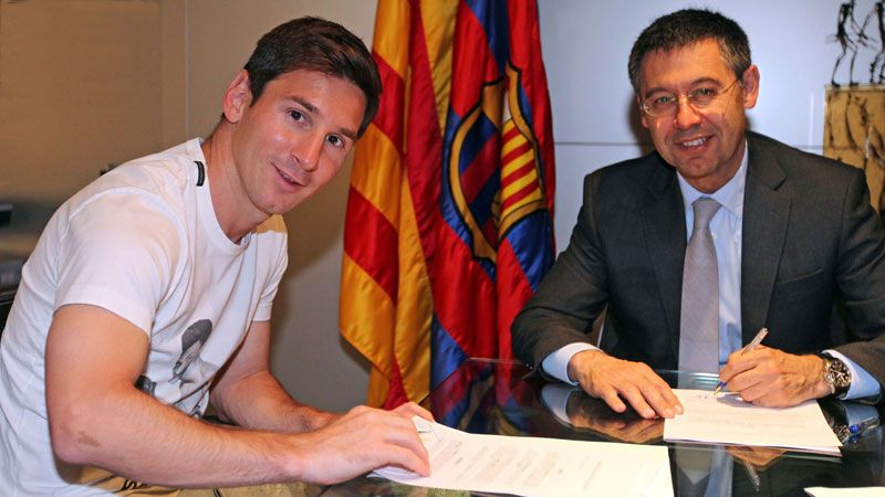 Lionel Messi committed to a new contract at Barcelona on Monday.