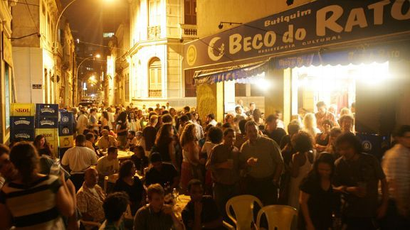The Lapa neighbourhood is sure to have a buzz as people congregate to share food, drink and conversation.