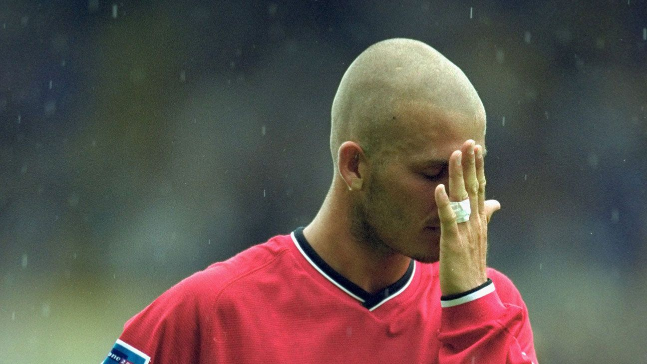 David Beckham shaved head 2000