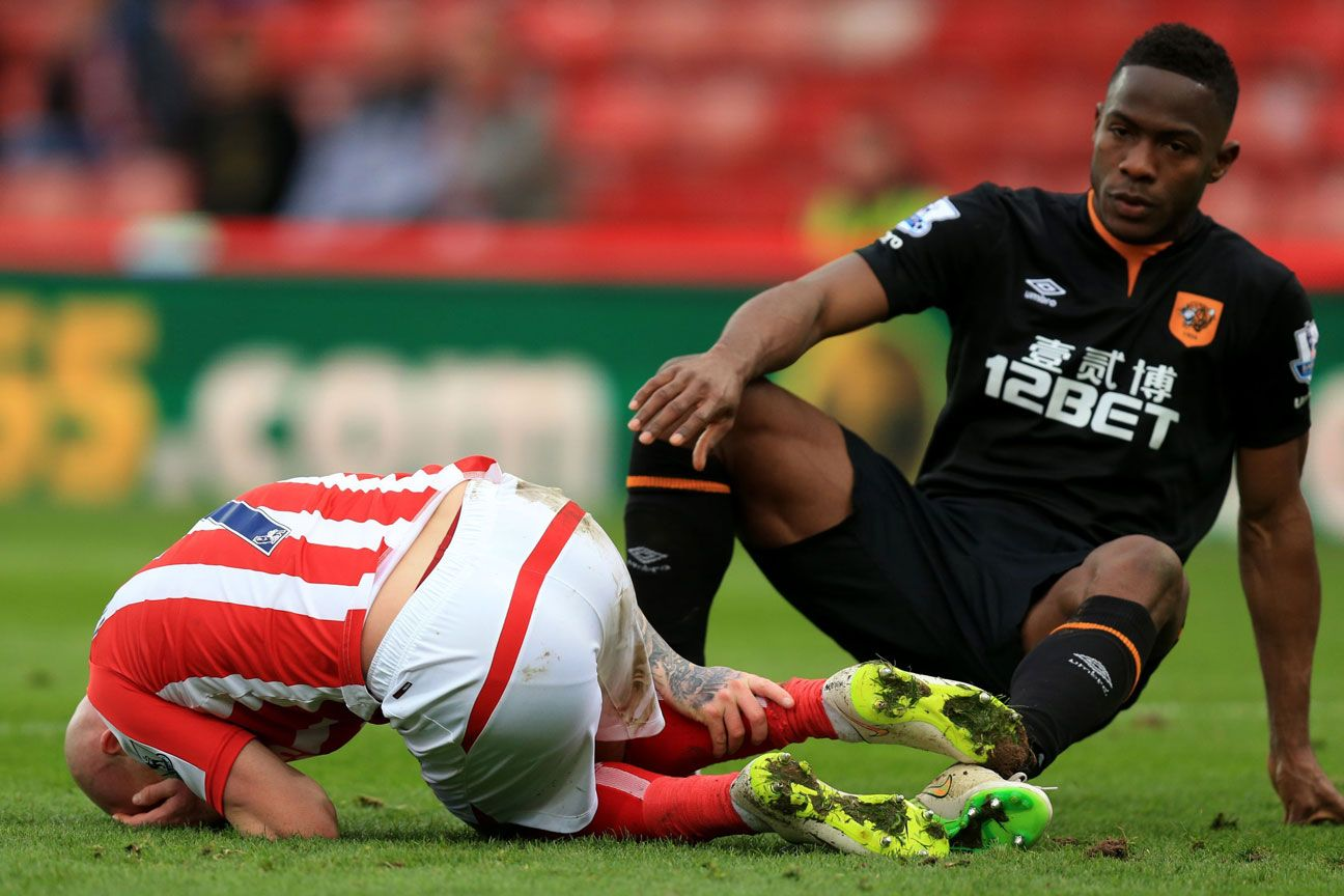 Stephen Ireland tackle Maynor Figueroa