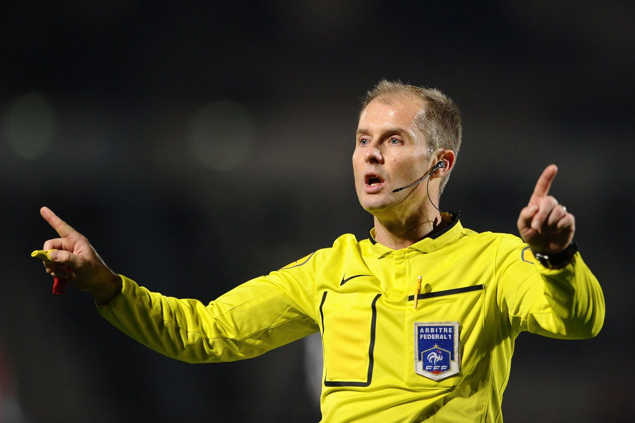 Philippe Kalt referee