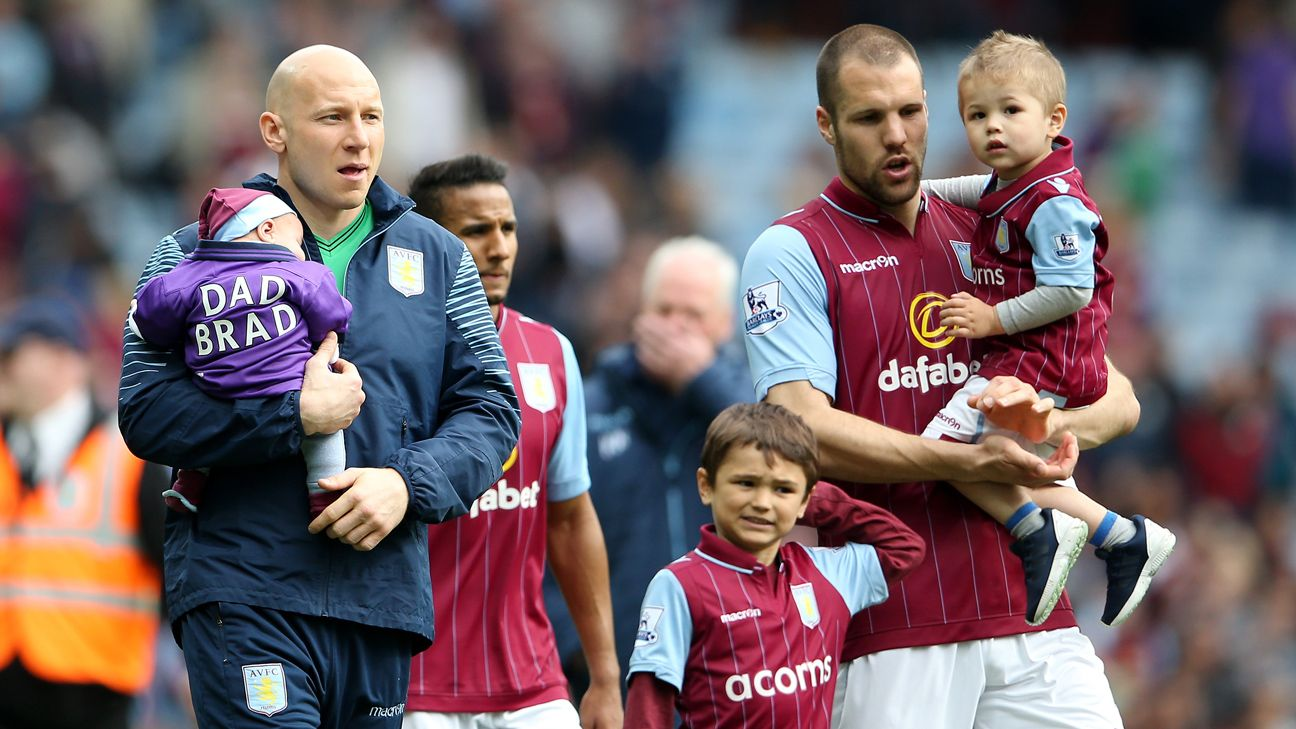 Brad Guzan and Ron Vlaar