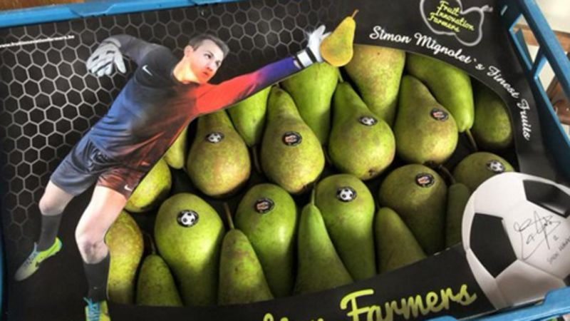 Simon Mignolet pears