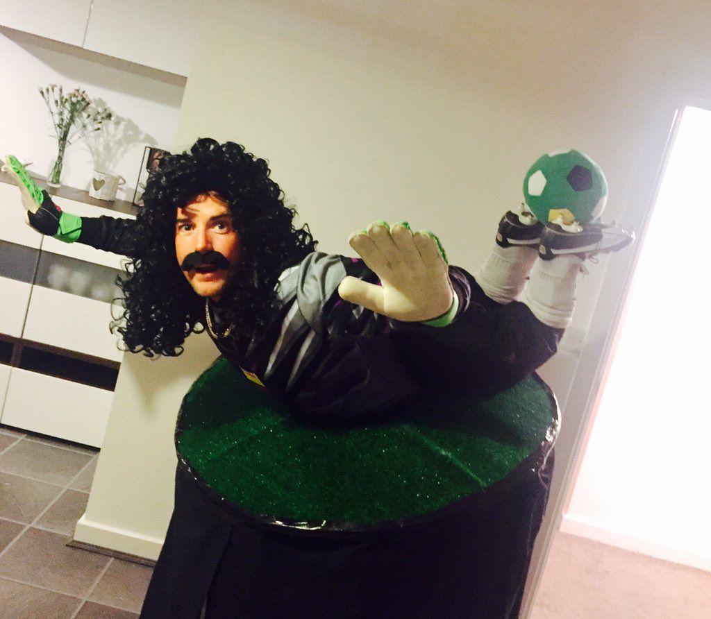 Rene Higuita costume