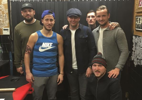 Eden Hazard visits tattoo parlour