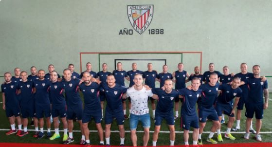 Athletic Bilbao players all shaved their heads to support Yeray Alvarez in his cancer battle