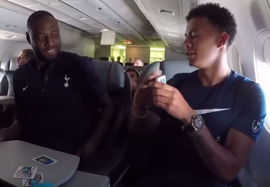 Dele Alli impresses Ledley King with a card trick