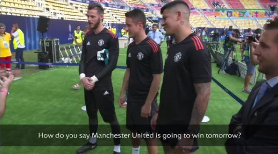 Manchester United stars Herrera, De Gea, Rojo get sign language lesson
