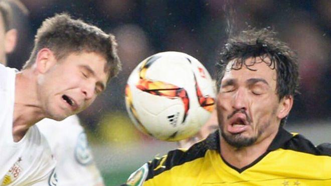 Mats Hummels Beat Marouane Fellaini To Face Smashing