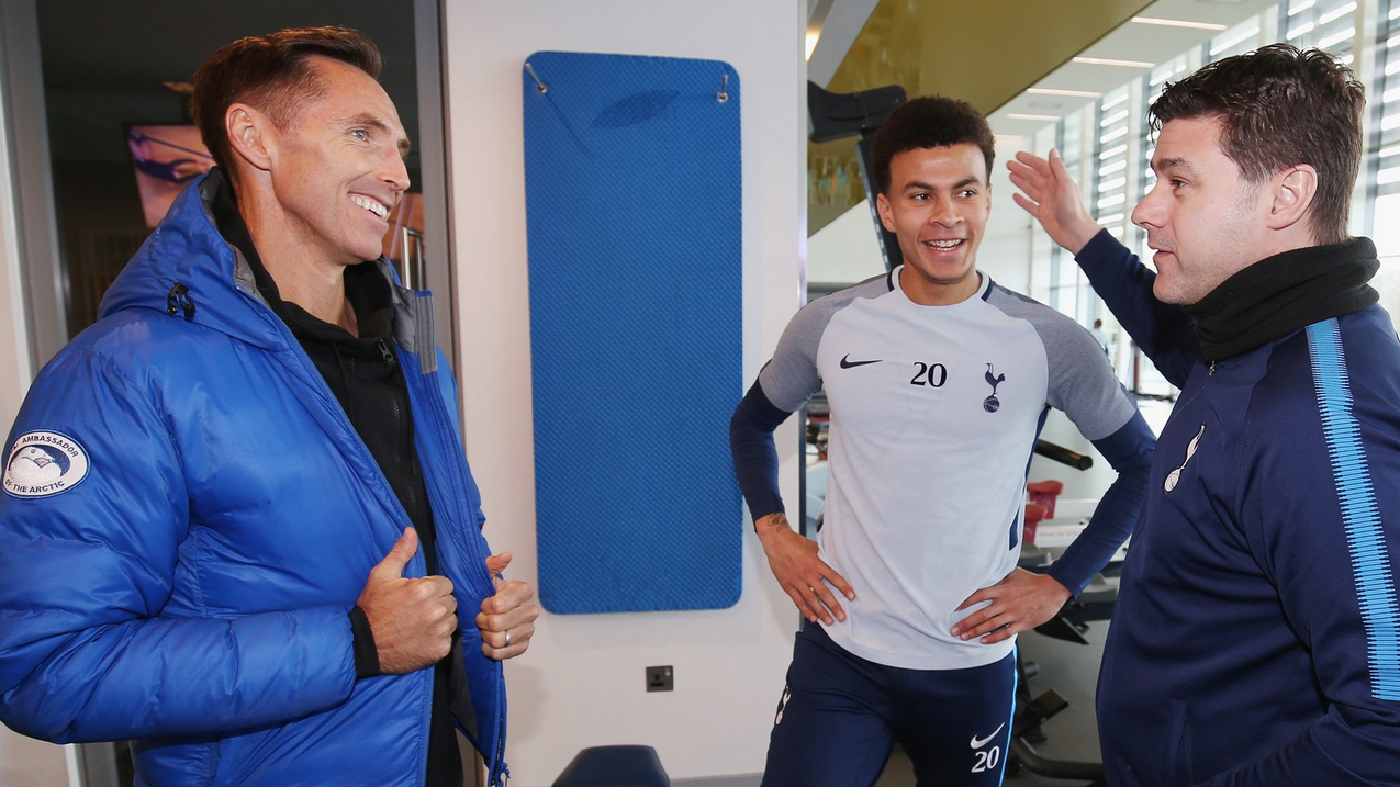 Steve Nash visits Tottenham's training ground