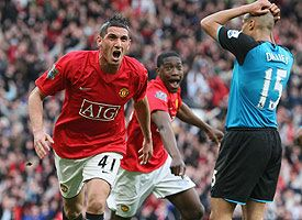 Manchester United's Federico Macheda celebrates scoring the winning goal