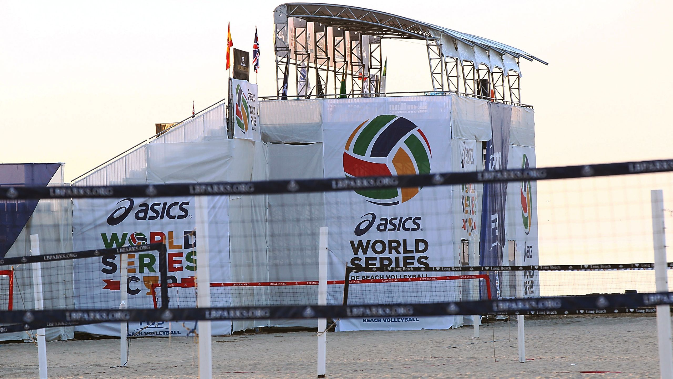 World Series of Beach Volleyball: USA vs. The World