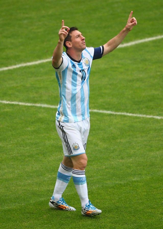 Lionel+Messi+of+Argentina+Retires+From+International+Football :::  ::: Jun 27, 2016 ::: 639 ::: 899