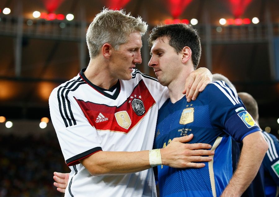 Lionel+Messi+of+Argentina+Retires+From+International+Football :::  ::: Jun 27, 2016 ::: 899 ::: 635