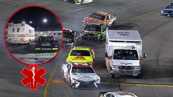 Se equivocó de calle y terminó en una pista de NASCAR... - ESPN Video