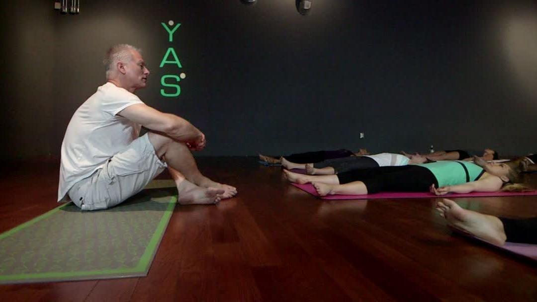 Kenny Mayne's yoga class - ESPN Video