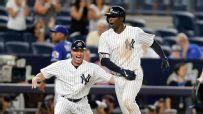 Gregorius walk-off caps wild Yankees comeback