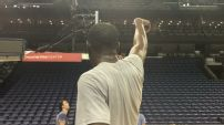 Durant shoots away in empty gym and yells at himself