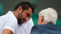Cilic breaks down during Wimbledon final with Federer
