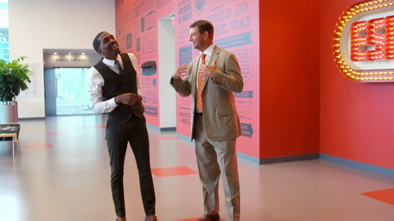 Dabo runs a quick route in SC's hallways - ESPN Video