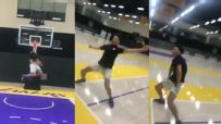 Lonzo dunks and has a dance party