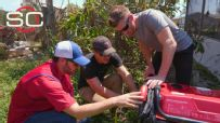 Jimmie Johnson lends a helping hand in Florida