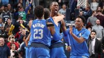 Barnes' buzzer-beater wins it for Dallas