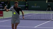 del Potro's tweener all for not, Federer wins point
