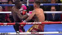 Crawford knocks down Benavidez, closes door