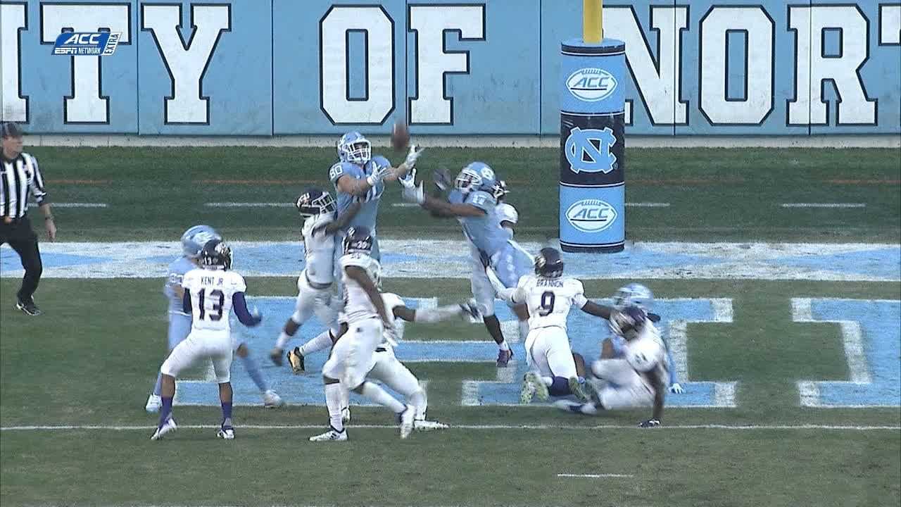 UNC's Manny Miles throws first TD pass with father Les looking on