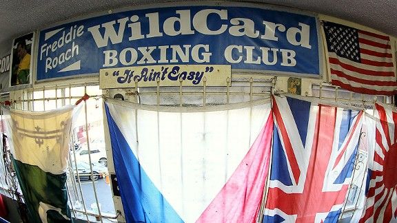 Wild Card gym home to a pair of aces, Manny Pacquiao and ...