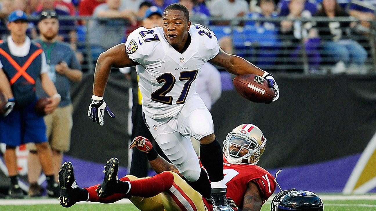 Ravens' Ray Rice cheered by fans