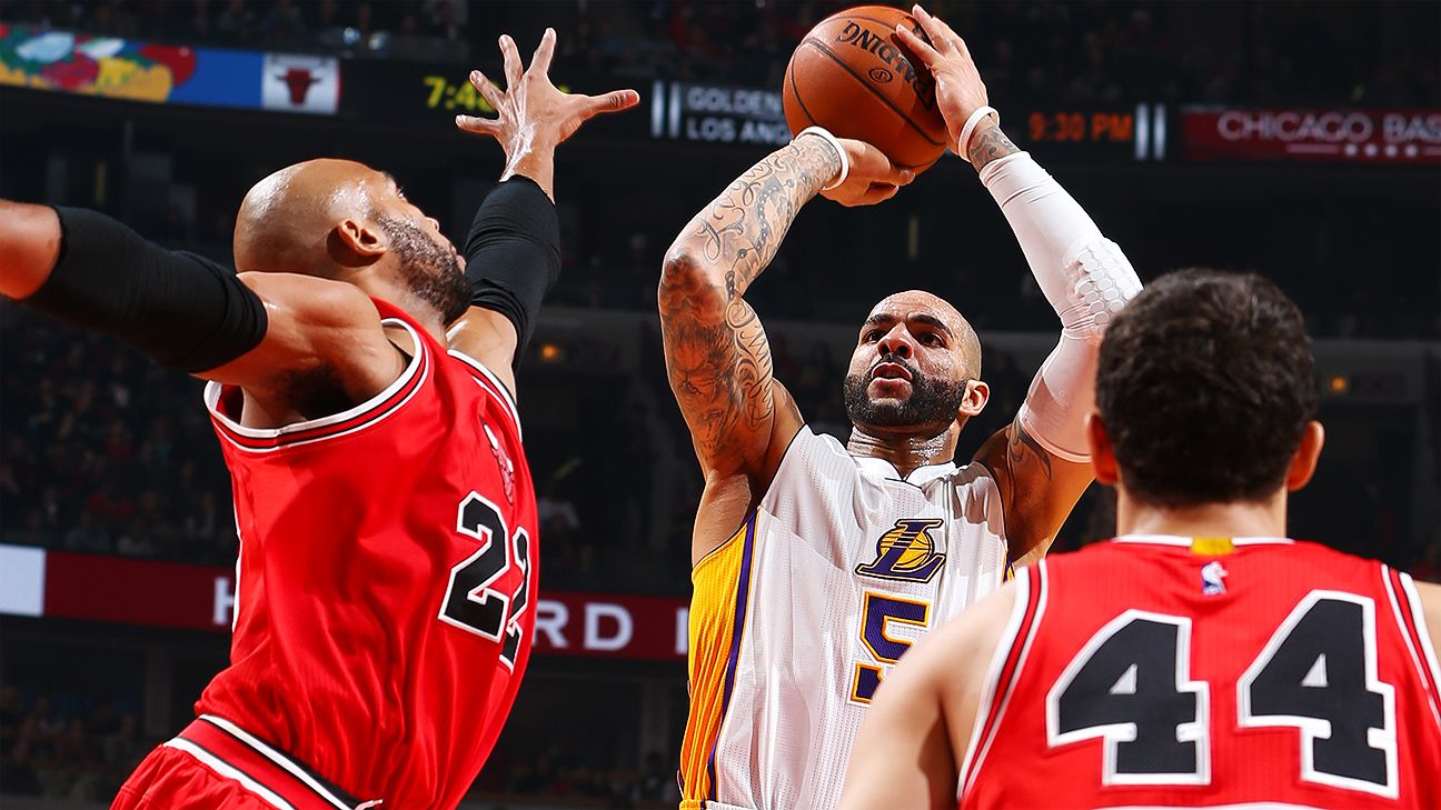 Efficient Carlos Boozer returns to friendly confines of ...