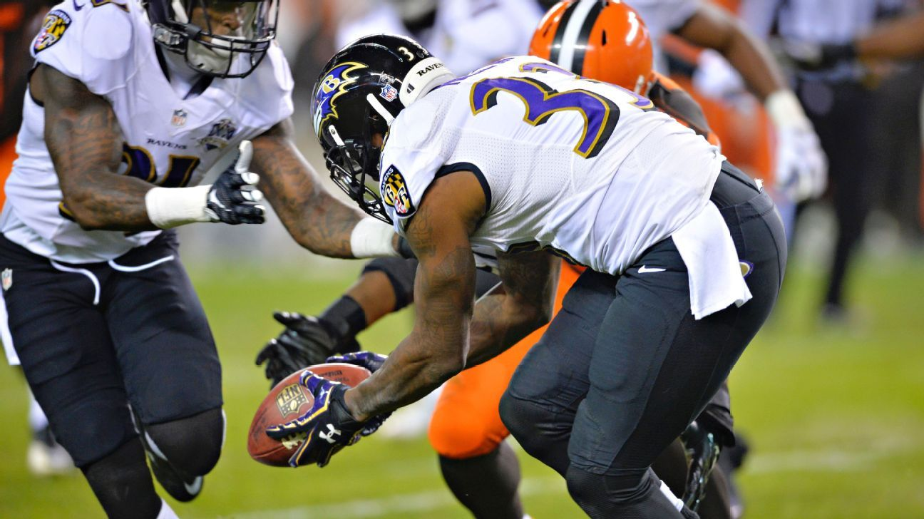 Ravens return blocked field goal attempt for TD and an unlikely win