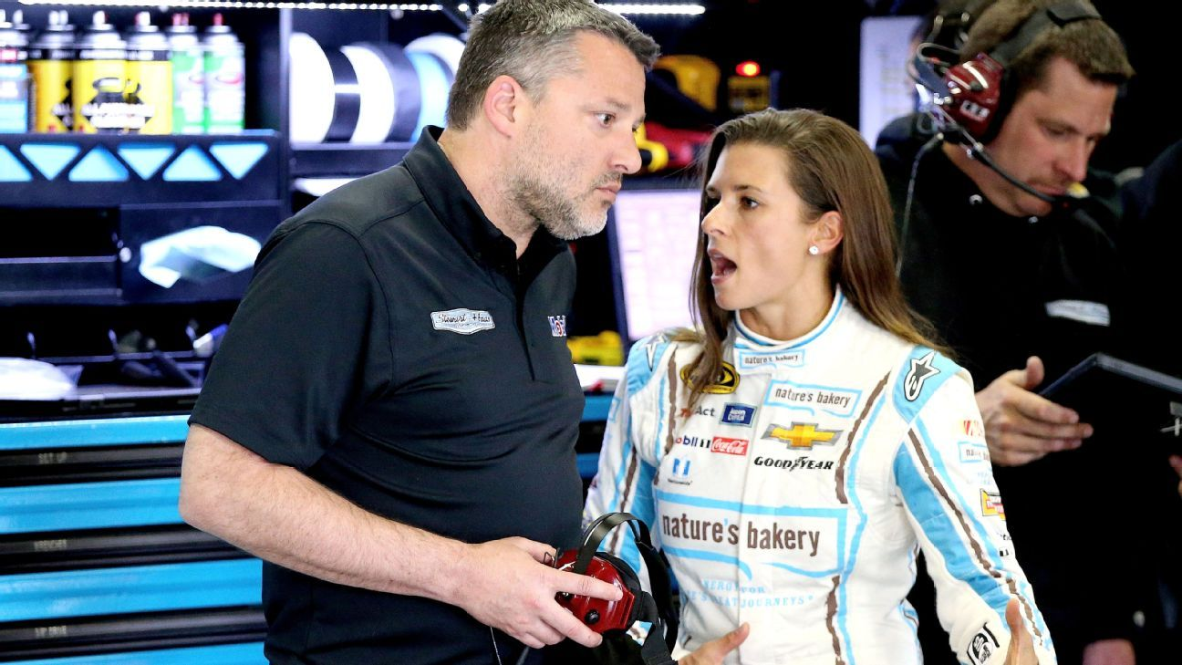 Danica Patrick's wreck during Dover practice collects Tony Stewart, Jamie McMurray
