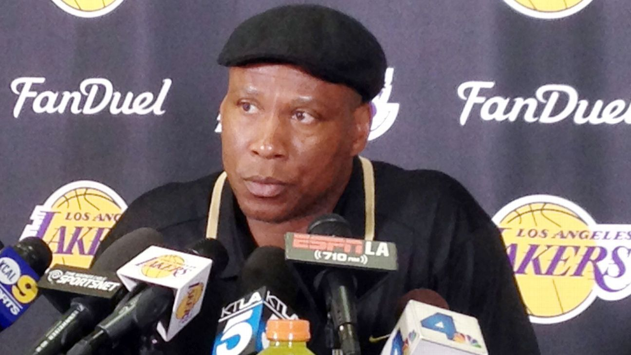 Los Angeles Lakers Byron Scott out after another franchise worst