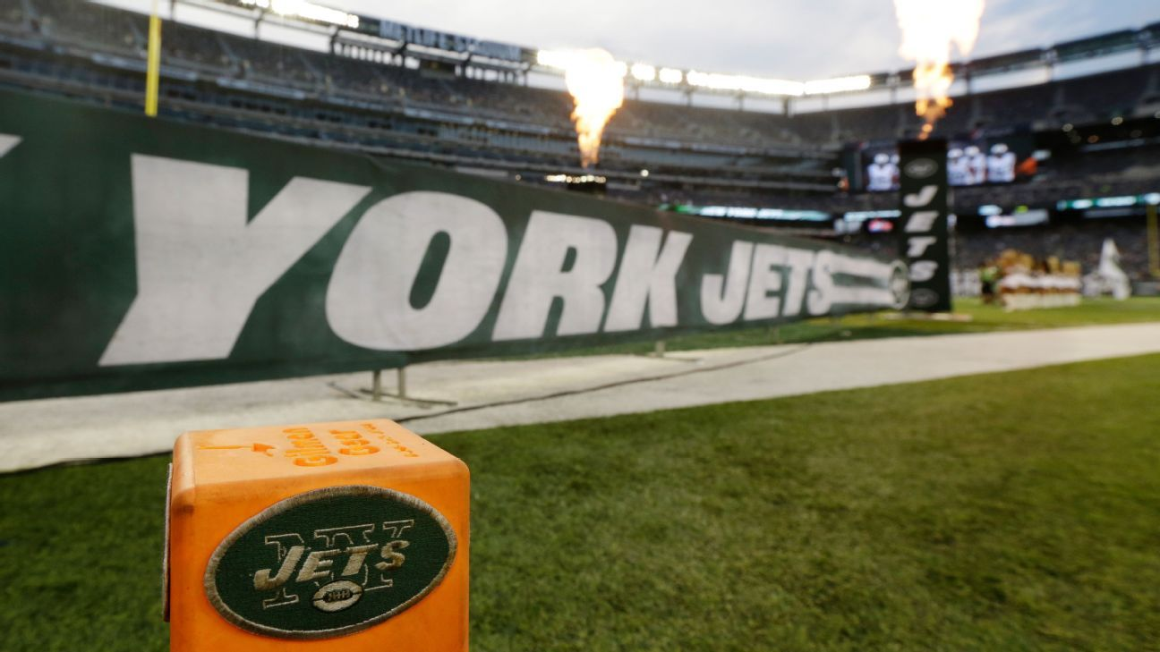 Jets owner Woody Johnson won't discourage players from kneeling despite NFL's new anthem policy