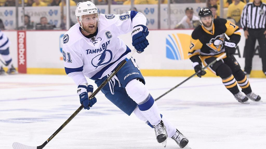 Stamkos sticking with Lightning on 8-year deal