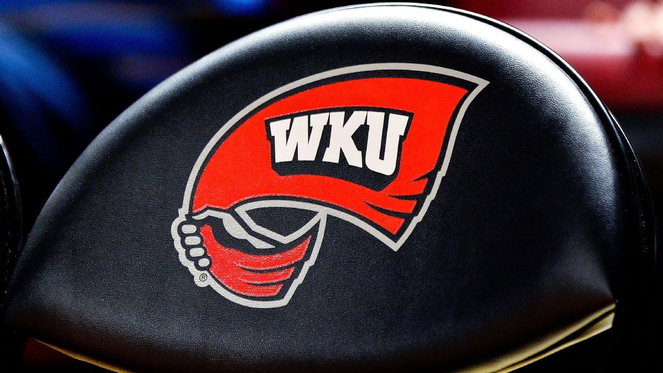 Tyson Helton agrees to become coach of Western Kentucky ...
