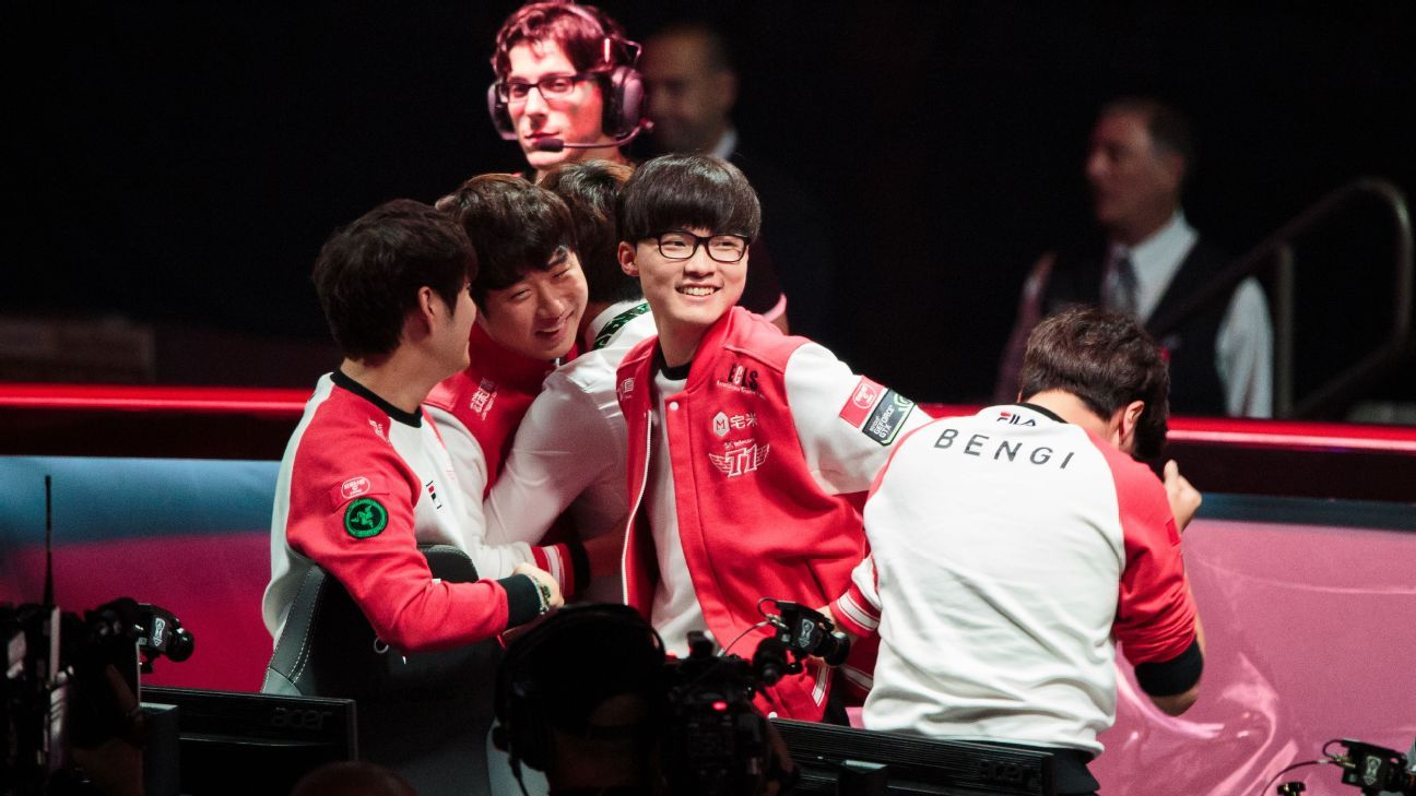 SK Telecom T1 and Samsung Galaxy compete for 2016 Worlds Title