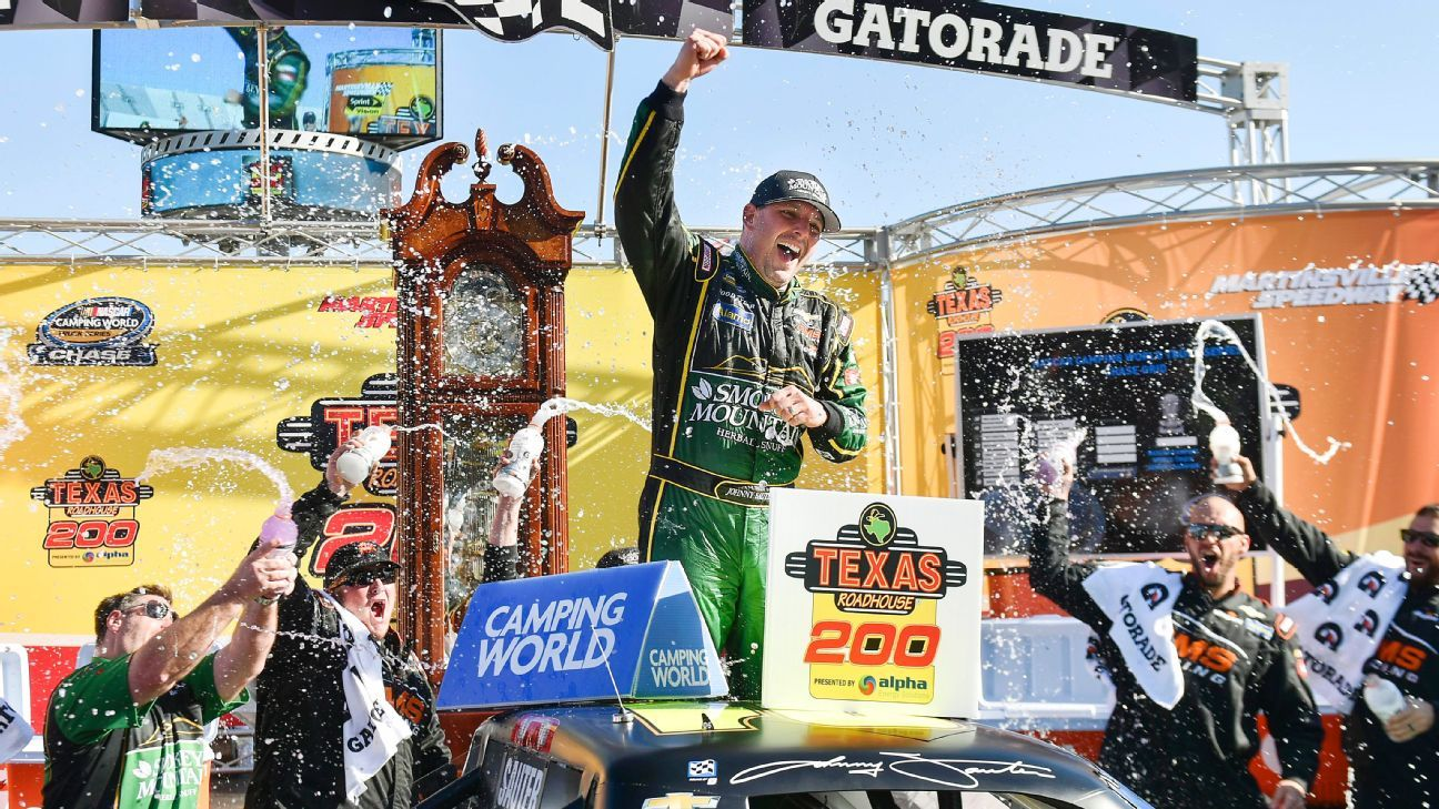 Johnny Sauter wins at Martinsville to earn spot in Truck Series championship race