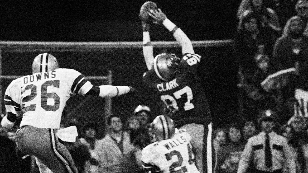 Dwight Clark, who died after a battle with ALS, will have his 49ers legacy remembered with a helmet decal as well as a statue outside of Levi's Stadium.