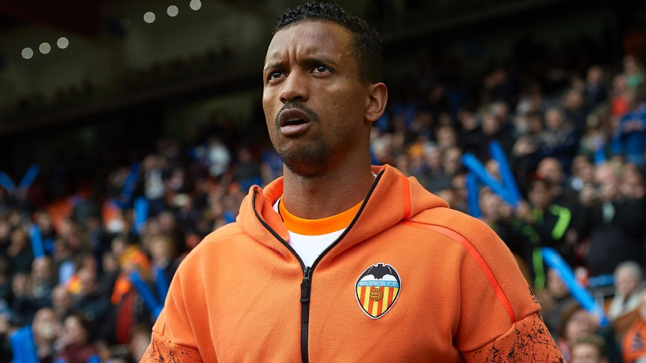 Nani determined to remain at Valencia despite rumours of summer sale