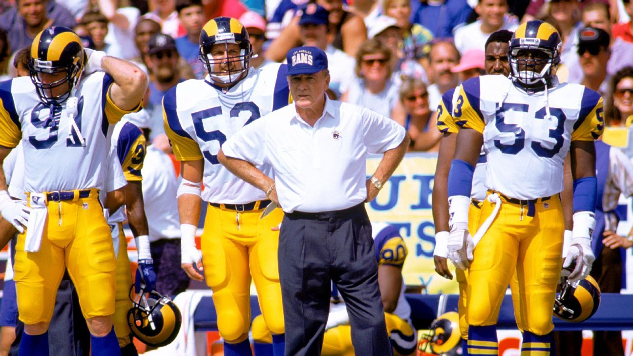 Chuck Knox, a three-time NFL Coach of the Year whose career included stints with the Rams, Bills and Seahawks, died at age 86 after suffering from dementia, the Seahawks confirmed Sunday.