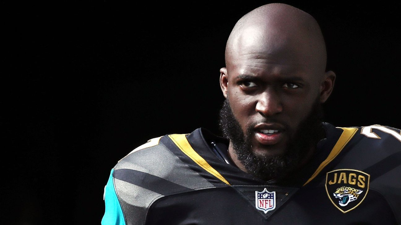 Leonard Fournette of the Jacksonville Jaguars said a Pittsburgh Steelers fan rear-ended his car Tuesday ...
