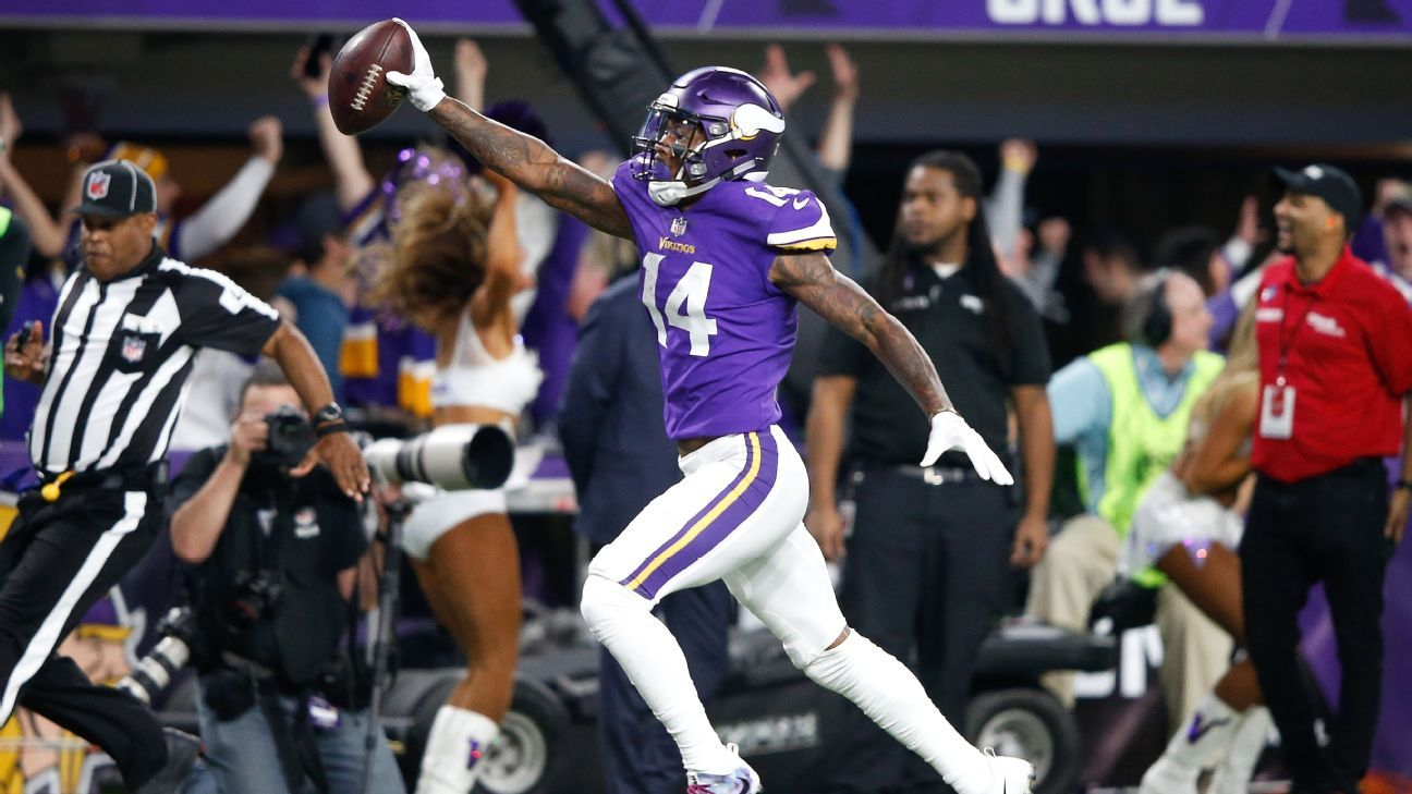 Eagles coaches show players 'Minneapolis Miracle' to open Vikings week