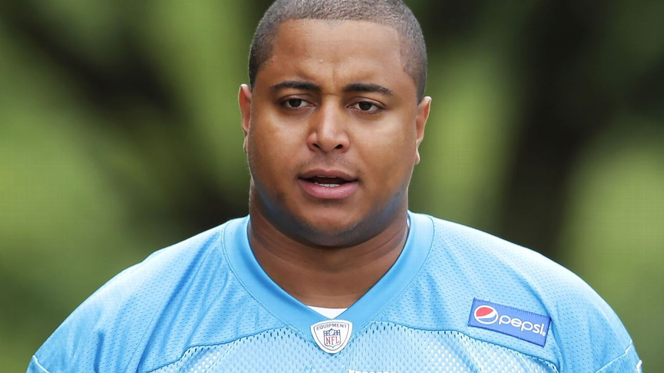 Former NFL offensive lineman Jonathan Martin faces charges of making criminal threats and carrying a loaded firearm after a threatening Instagram post in February.