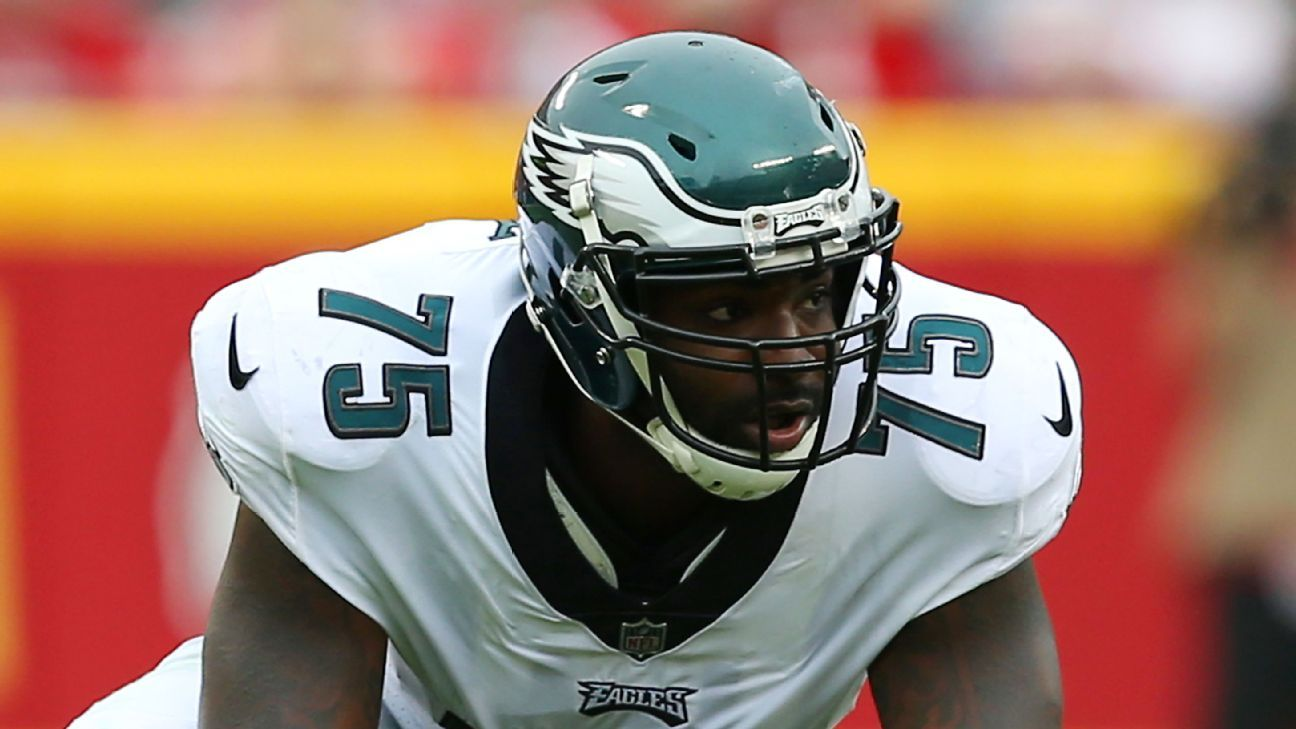 One day after he was released by the Eagles, defensive end Vinny Curry signed with the Buccaneers on a three-year deal worth up to $27 million with a $11.5 million injury guarantee, a source told ESPN.